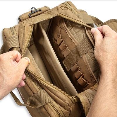 intérieur du sac de gamme illustré