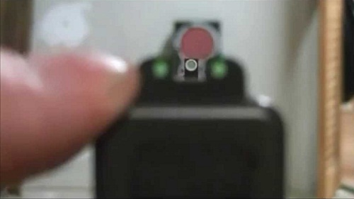 tournage de Glock 43 en basse lumière
