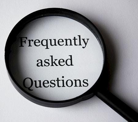 """FAQ """"width ="""" 450 """"height ="""" 400 """"srcset ="""" https://www.armesloisirs.com/wp-content/uploads/2021/04/FAQ-1.jpg 450w, https://outdoorempire.com/wp- content / uploads / 2019/03 / FAQ-1-300x267.jpg 300w """"tailles ="""" (largeur max: 450px) 100vw, 450px """"/></strong></p> <p><strong>Comment nettoyez-vous et entretenez-vous un siège de bateau?</strong></p> <p>Le nettoyage et l'entretien de vos nouveaux sièges vous assureront une durée de vie plus longue. La première étape consiste à choisir un siège avec une housse durable qui résiste à l'eau, aux UV et à la moisissure.</p> <p>Ensuite, assurez-vous de maintenir cette protection en appliquant régulièrement un vinyle protecteur. Ceci est particulièrement important si votre bateau est stocké exposé au soleil et aux éléments.</p> <p>Vous devez nettoyer les petits déversements ou salissures en essuyant immédiatement avec un chiffon humide. Les taches plus lourdes ou les déversements peuvent être traités avec un nettoyant pour vinyle de qualité ou du savon et de l'eau, selon les instructions du fabricant.</p> </p> <p><strong>Quelle est la durée de vie typique des sièges de bateau?</strong></p> <p>Dans un monde parfait, les sièges dureront aussi longtemps que le bateau, ce qui peut durer jusqu'à deux ou trois décennies. Cependant, une durée de vie plus réaliste est de 7 à 10 ans. Les sièges couverts lorsque le bateau n'est pas utilisé et bien entretenus dureront le plus longtemps.</p> </p> <p><strong>Pouvez-vous peindre un siège de bateau?</strong></p> <p>Oui, il est possible de peindre vos sièges de bateau. Il est important de choisir une peinture spécialement conçue pour (a) les matériaux utilisés dans la construction du siège et (b) les applications marines. Même le vinyle peut être peint, et c'est une alternative économique à l'achat de nouveaux sièges.</p> </p> <p><strong>Lecture recommandée:</strong></p> <p>Meilleurs haut-parleurs marins</p> <p>Comment installer un treuil de remorque de bateau</p> <p>Meilleurs supports de canne """