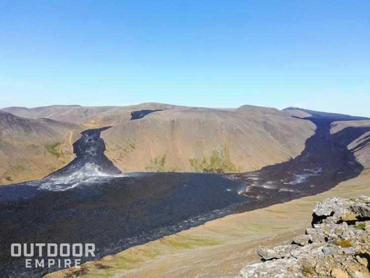 Coulée de lave d'un volcan actif en Islande en 2021